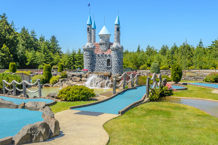 beautiful miniature golf course in Oregon on a sunny day